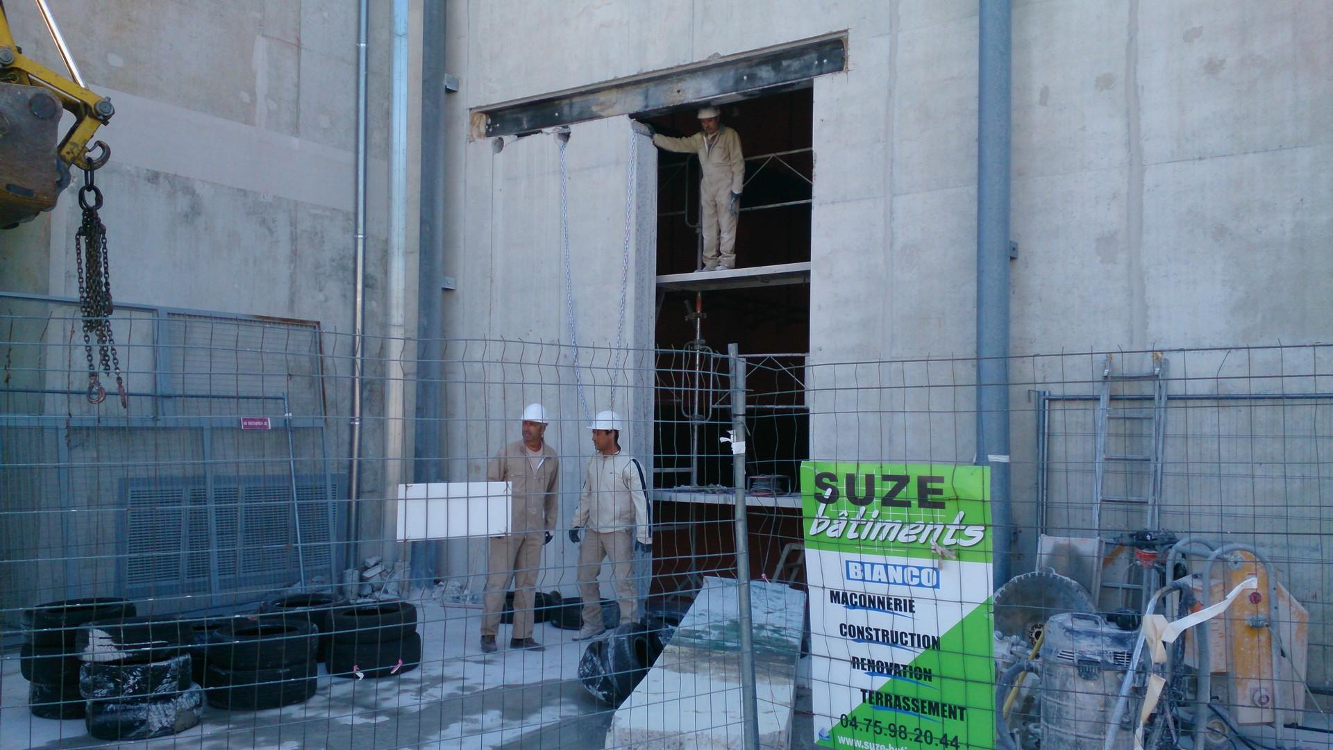 Ouverture et fermeture de voile béton et protection cablage et flexibleOuverture et fermeture de voile béton et protection cablage et flexible001