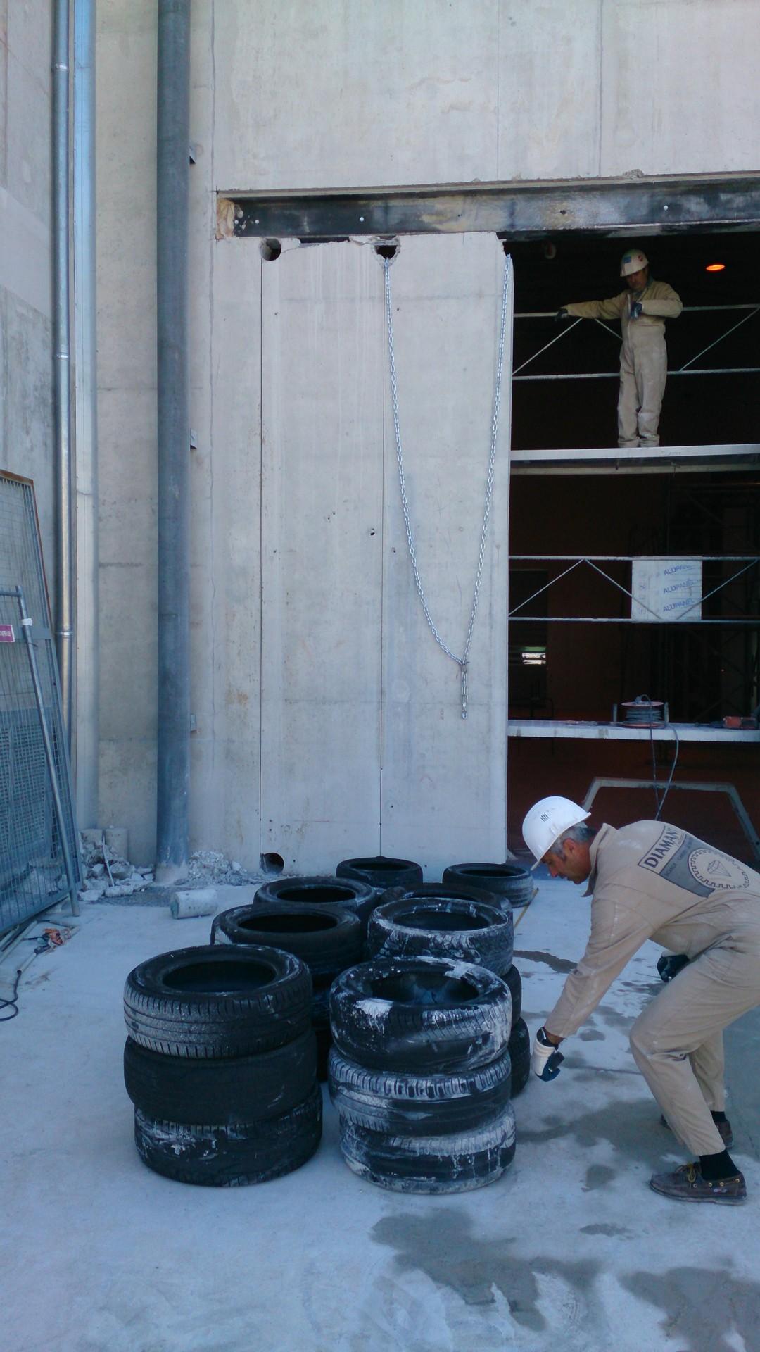 Ouverture et fermeture de voile béton et protection cablage et flexibleOuverture et fermeture de voile béton et protection cablage et flexible003