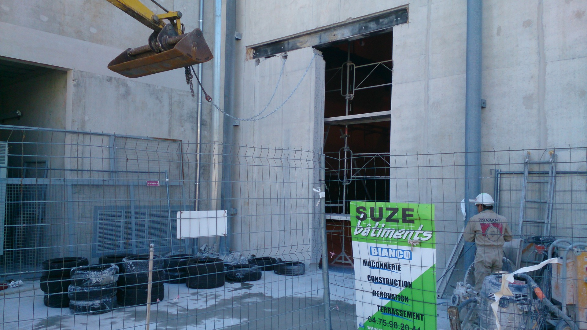 Ouverture et fermeture de voile béton et protection cablage et flexibleOuverture et fermeture de voile béton et protection cablage et flexible004